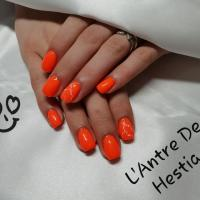 L'Antre De Hestia - Gel orange sur ongles - Moirans - Coublevie